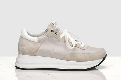 Женская стильная обувь (ботинки, кроссовки, летняя обувь)
