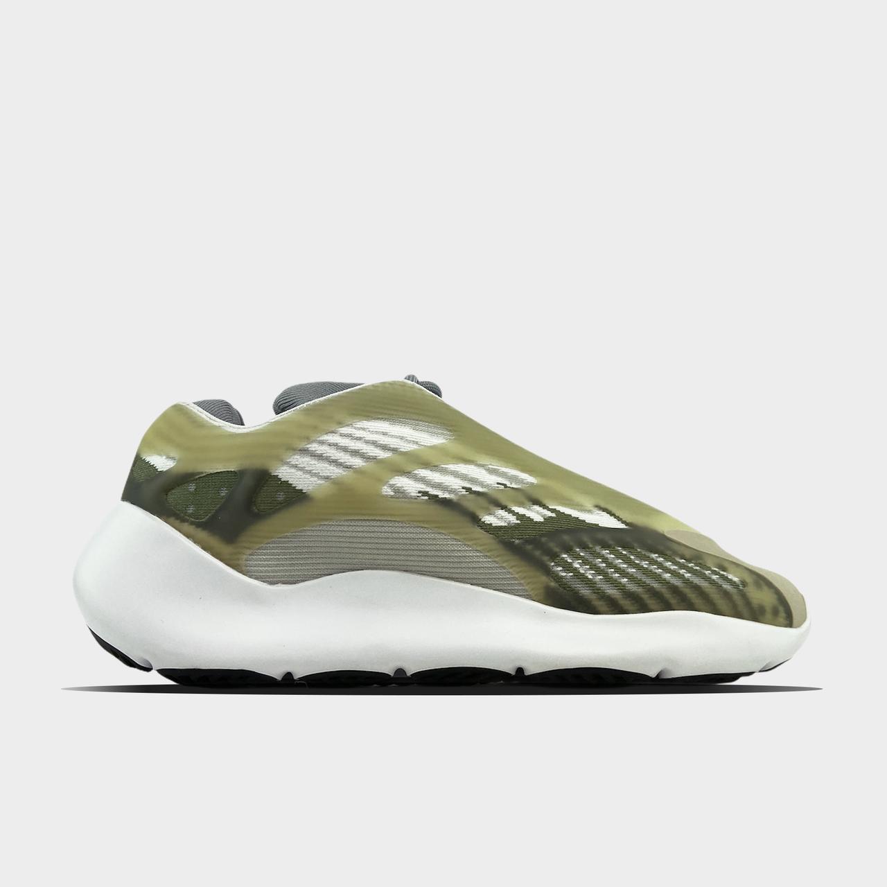 Adidas Yeezy Boost 700 V3 Green White (Зелений)