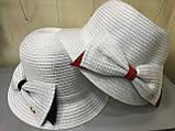 Річна капелюшок з полями на верх колір білий прикрашені червоним бантом, фото 5