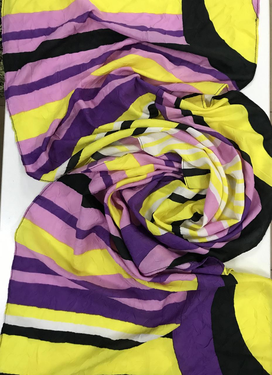 Разноцветный шарф в полоску в лёгкой жатке