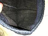 Чорна і синя чоловіча шапка щільної в'язки на флісі з хлястиком, фото 3