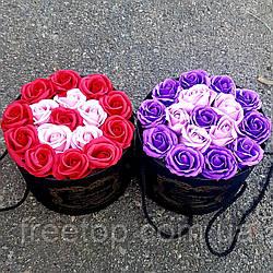 Большой букет мыла из роз в подарочной коробке (цвет на выбор)