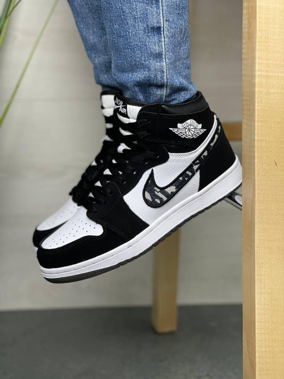 Женские кроссовки Nk ir Jordan  1 High х Dior Black/White