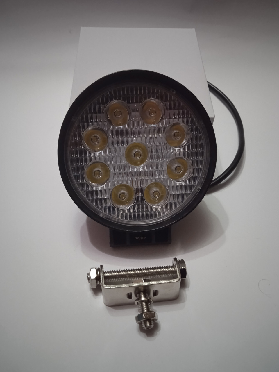 Рабочий LED фара 27 Вт Лидер
