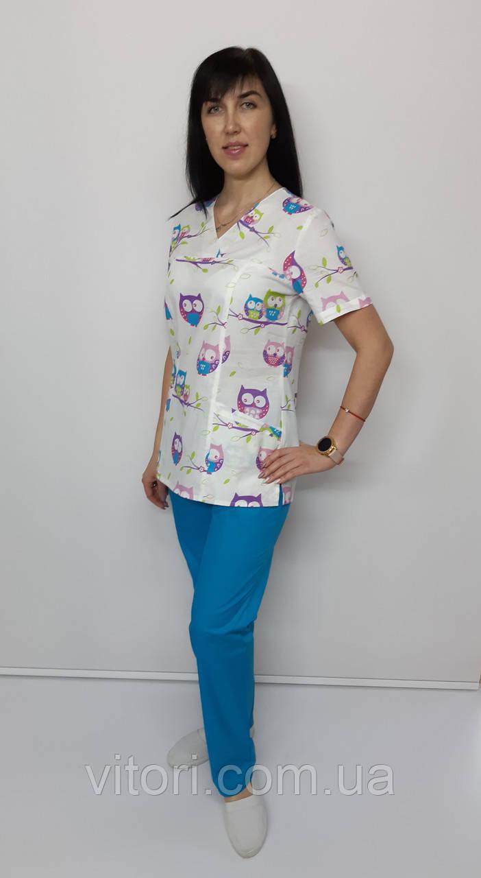 Женский медицинский костюм принт Совы фиолетовые