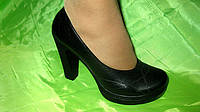 Туфли женские на каблуке кожа