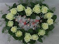 Сладкое сердце из конфет и белых роз, фото 1