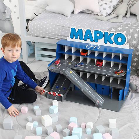 Синий гараж для машинок с надписью 68х38х40 см