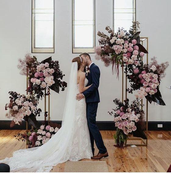 Колона для весільних композицій на стіл, підставка не розбірна, золото