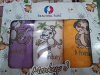 Махровые кухонные полотенца в красивой подарочной коробке с ручками.