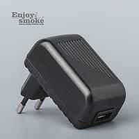 Универсальный адаптер питания XTAR VC4 для USB (2,1 А) - черный