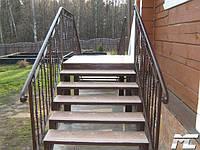 Перила лестницы дачного