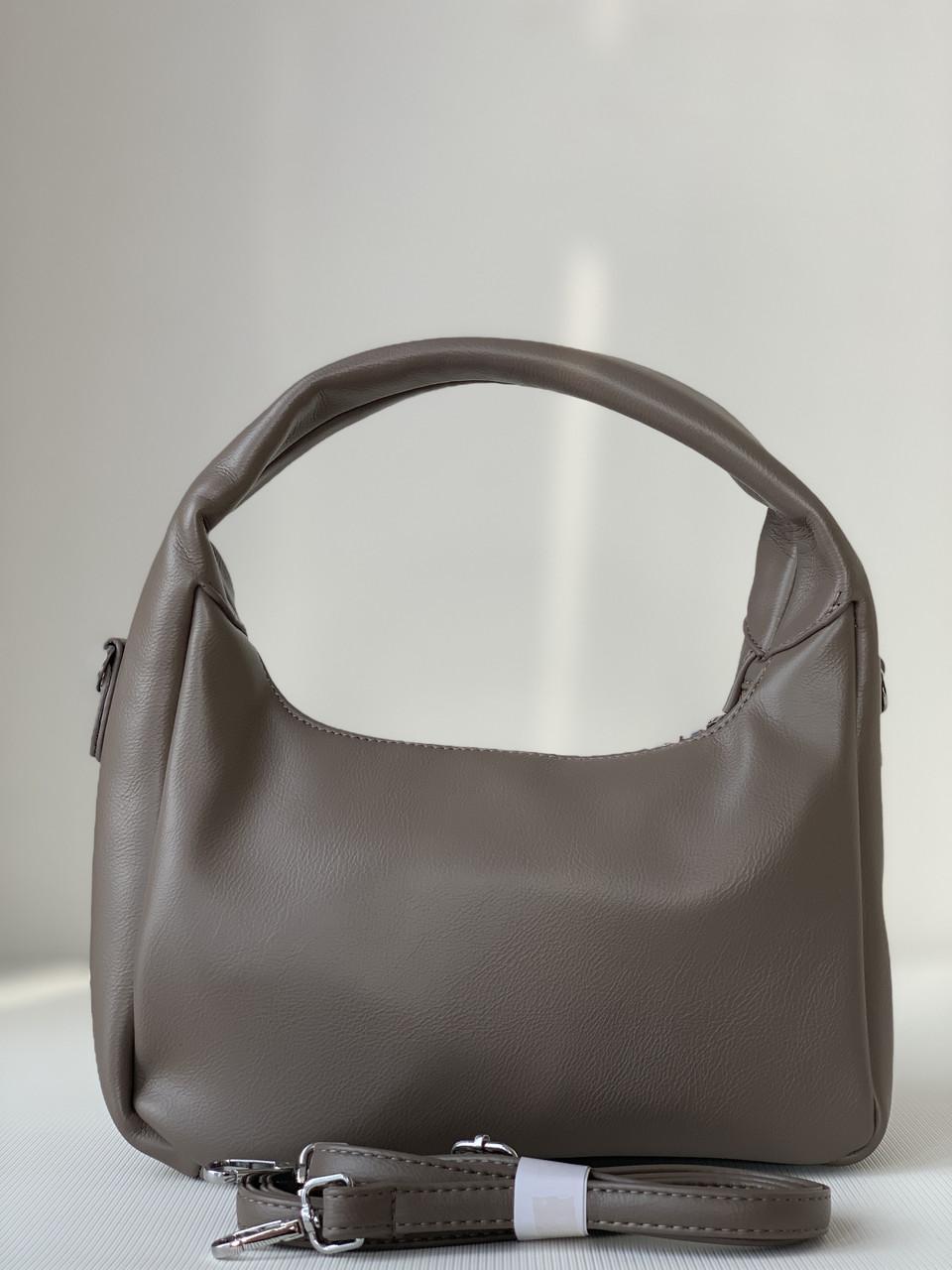 Темно-бежева стильна сумочка-багет кольору кави з молоком
