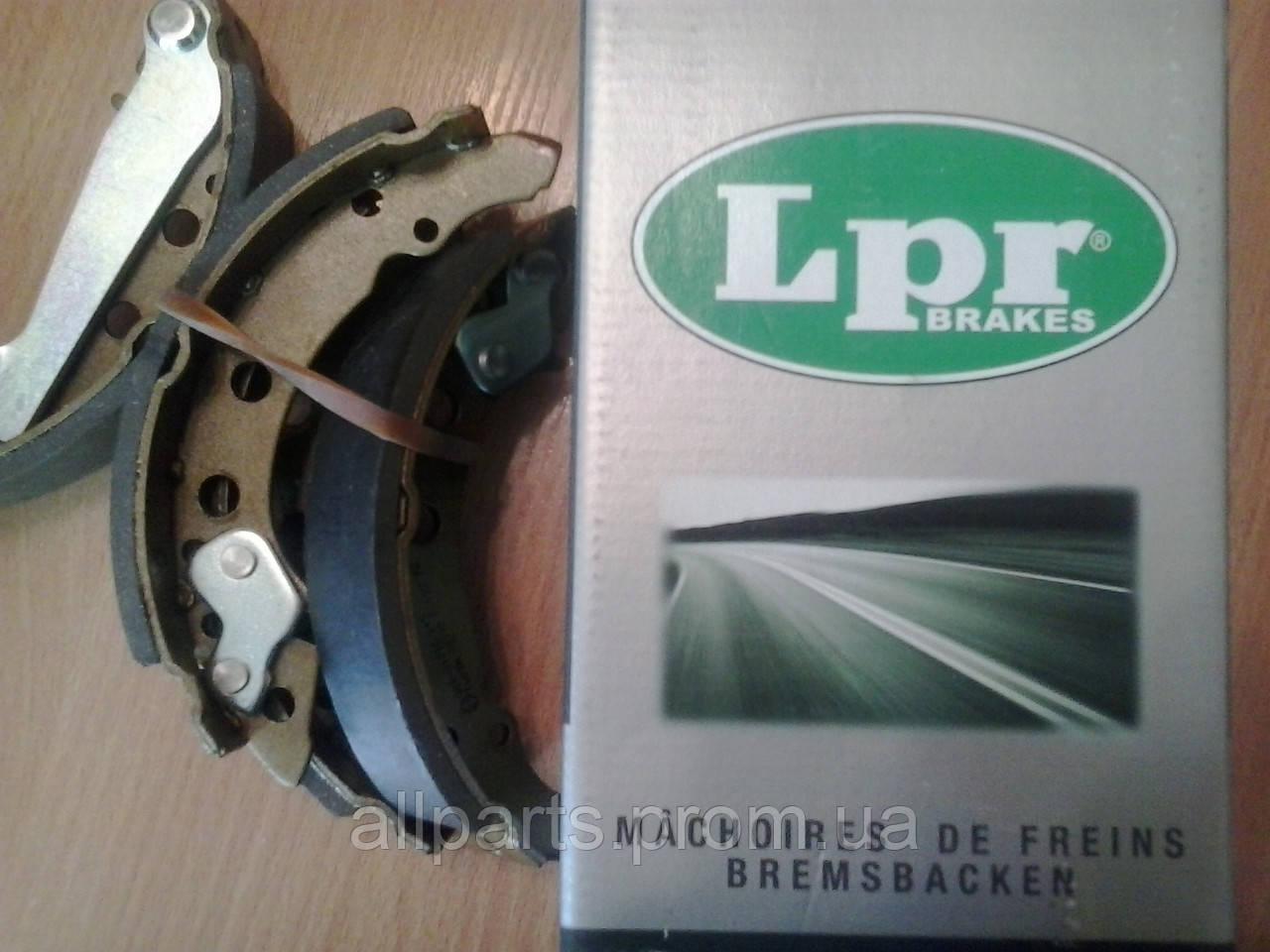 Тормозные колодки LPR (страна производитель Италия)