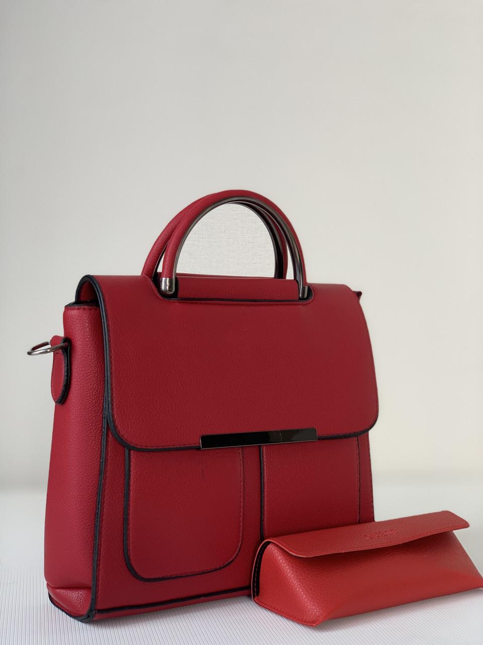 Маленькая красная женская сумка каркасная