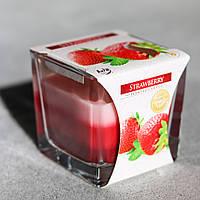 Свеча ароматическая Strawberry Клубника в стекле с запахом для дома Bispol