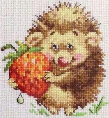 Набор для вышивания крестом 16х17 Ёжик с клубникой Joy Sunday D560