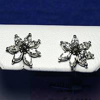 Серебряные сережки-гвоздики с камнями Цветок 2302
