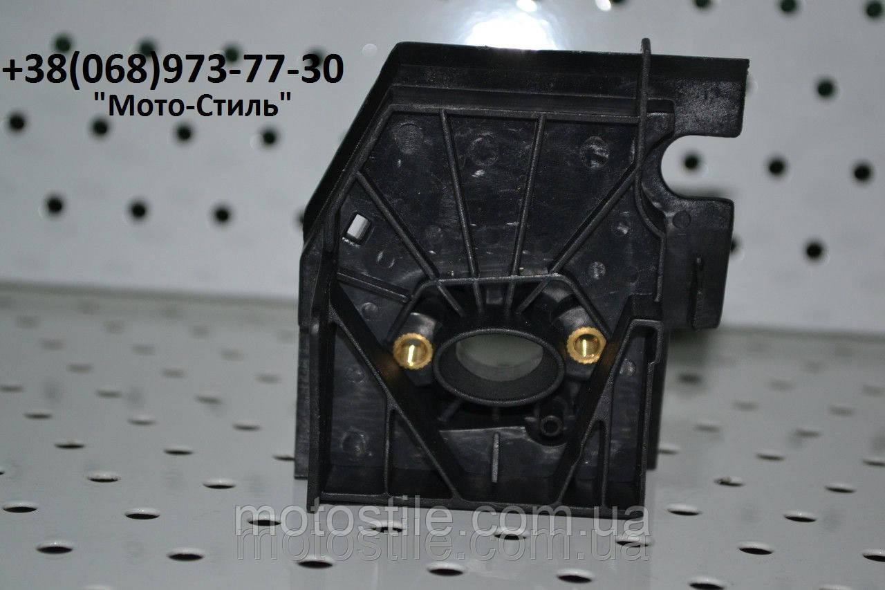 Патрубок-переходник карбюратора к бензопиле Husqvarna 137/142