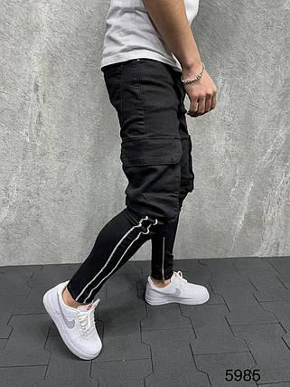 Чоловічі завужені джинси-карго чорні, з накладними кишенями, фото 2