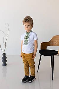 Вышитая футболка для мальчика с коротким рукавом Дем'янчик (зеленая вышивка)