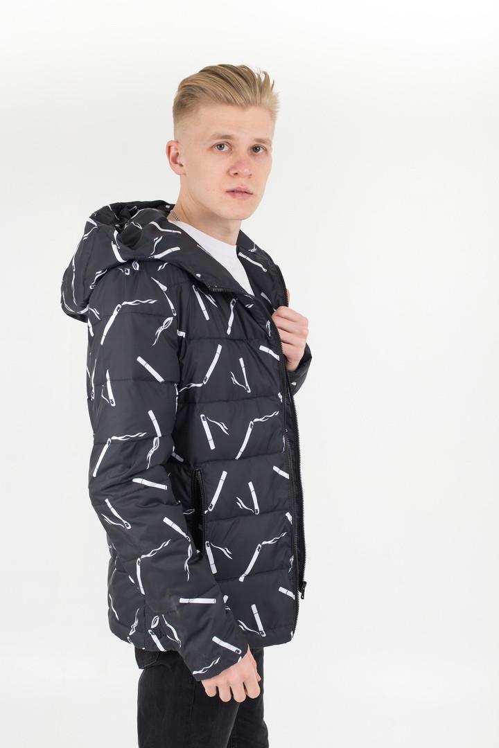 Мужская черная весенняя куртка с капюшоном