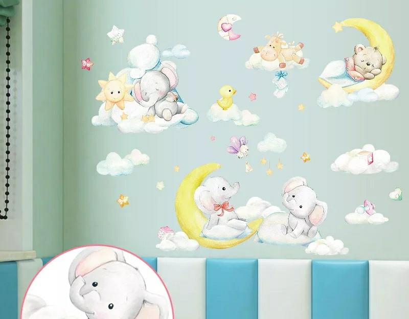 """Вінілові наклейки на стіну, шафа в дитячу """"звірята на місяць у хмарах"""" 70см*100см (лист 50*70см)"""