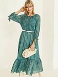 Шифоновое платье-миди с принтом и воланом по низу зелёное, фото 4