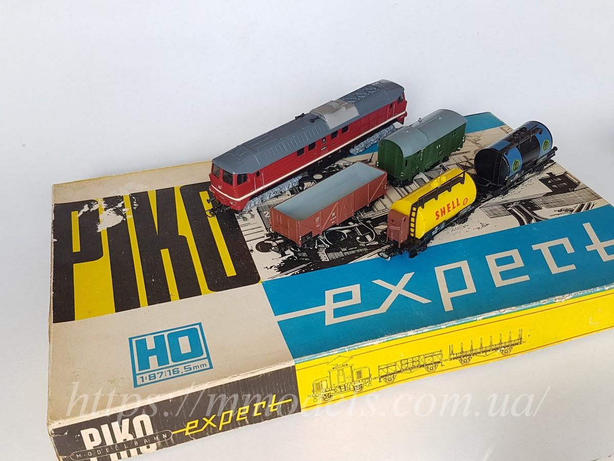 Piko GDR Набір з локомотивом BR130 з вантажними вагонами, приналежності DR, масштабу H0, 1:87