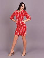 Безупречное платье красного цвета в модный принт горохи