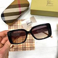 Женские солнцезащитные квадратные очки Берберри реплика Черные с градиентом, фото 1