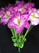 Искусственные цветы Нарцис с травкой 20 шт бело-сиреневые