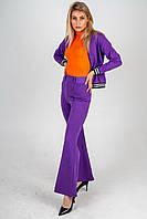 Весенний фиолетово-оранжевый комплект: брюки клеш фиолетовые, бомбер фиолетовый, гольф оранжевый