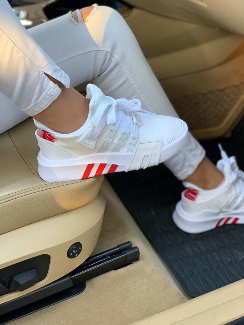 Женские кроссовки Adidas  Bask ADV White Red