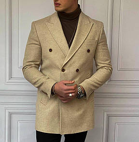 Чоловіче бежеве пальто