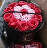 Розы -мыльные в  шляпной коробке
