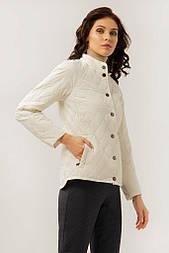 Жіноча куртка Finn Flare A19-11012-201 коротка молочна