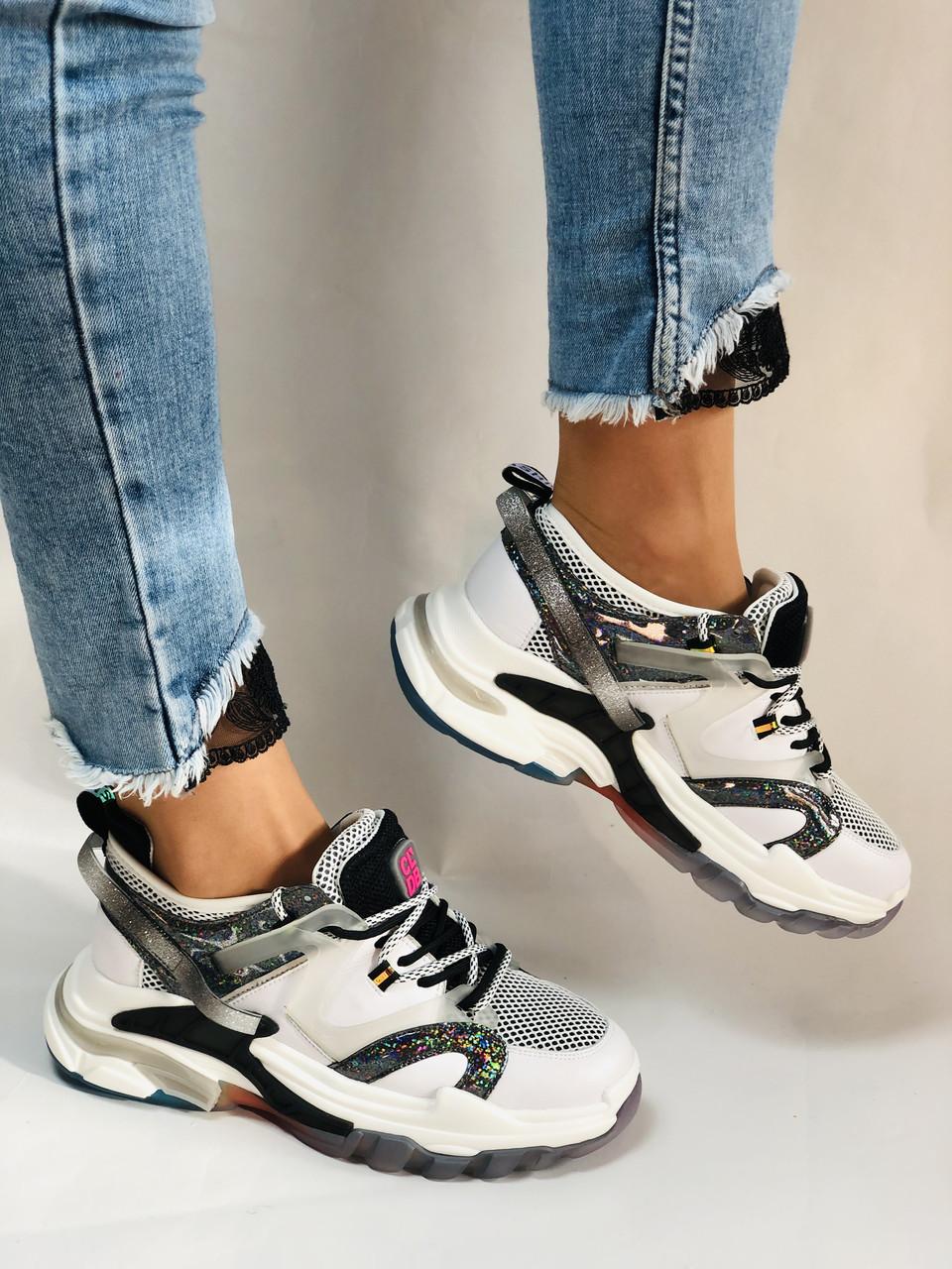 Жіночі кросівки з натуральної шкіри плюс текстиль. Розмір 36.38.39.40