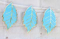 Бумажная гирлянда Листья с золотом 1,5 метра - Голубой