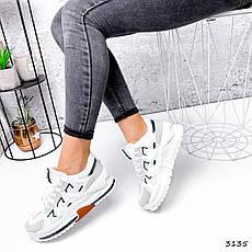 Кроссовки женские белые на белой подошве из эко замши и эко кожи. Кроссовки спортивные с серым носком, фото 3