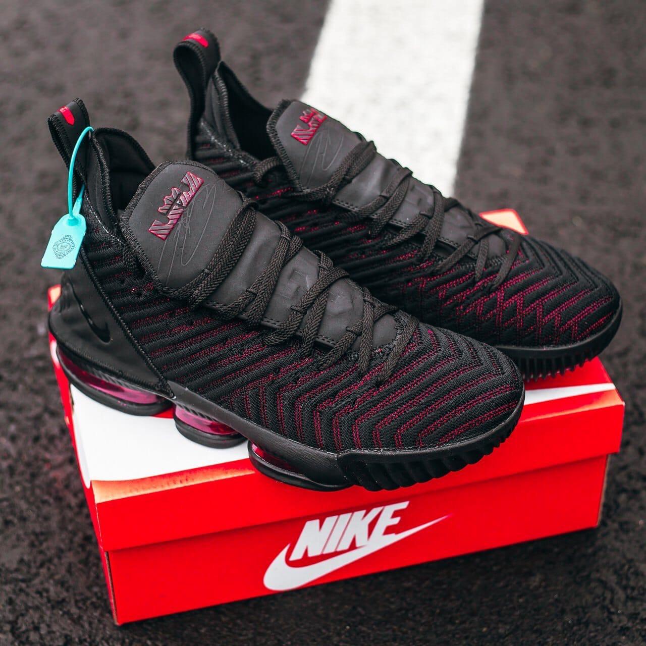 Чоловічі чорні Кросівки Nike Lebron 16