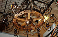 """Кованая люстра """"колесо от телеги"""". Неповторимая ручная робота. Материал и покрытие экологически чистые."""