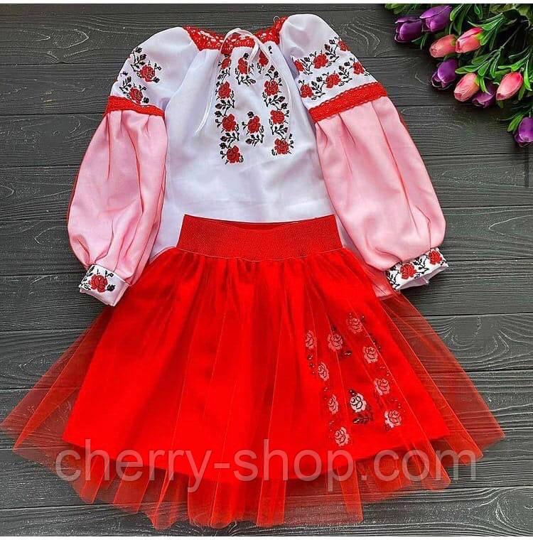 Оригінальні костюми для справжніх україночок з червоною спідницею