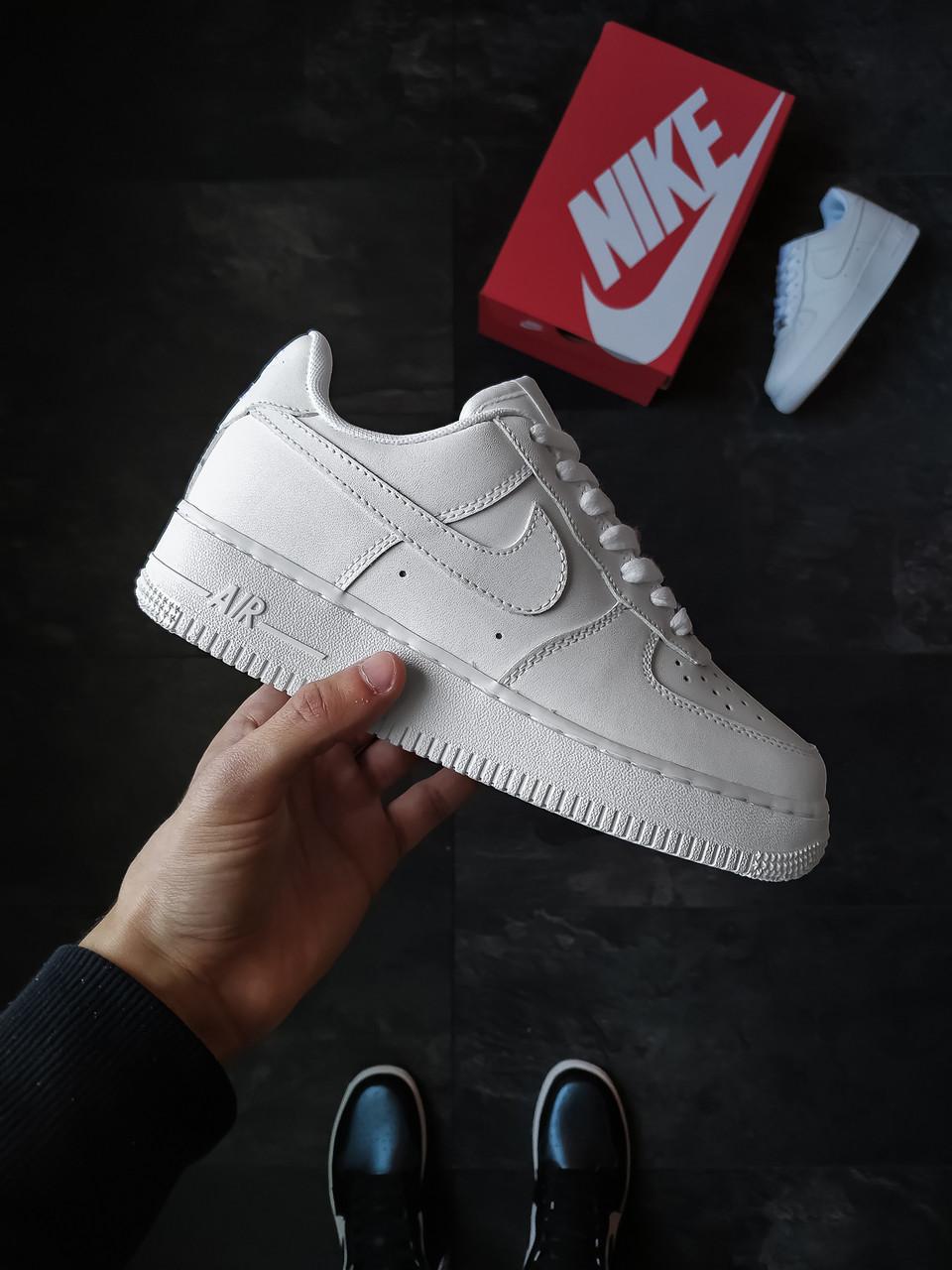 Жіночі кросівки Nike Air Force 1 шкіряні