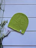 Демисезонная детская вязаная шапка для девочки и мальчика весна осень ручной работы., фото 4