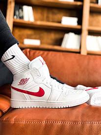 Жіночі білі кросівки Nike Air Jordan 1 mid