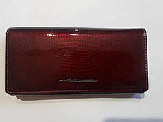 Кошелек кожаный женский лаковый бордовый с монетницей внутри Balisa В826-3 на кнопке