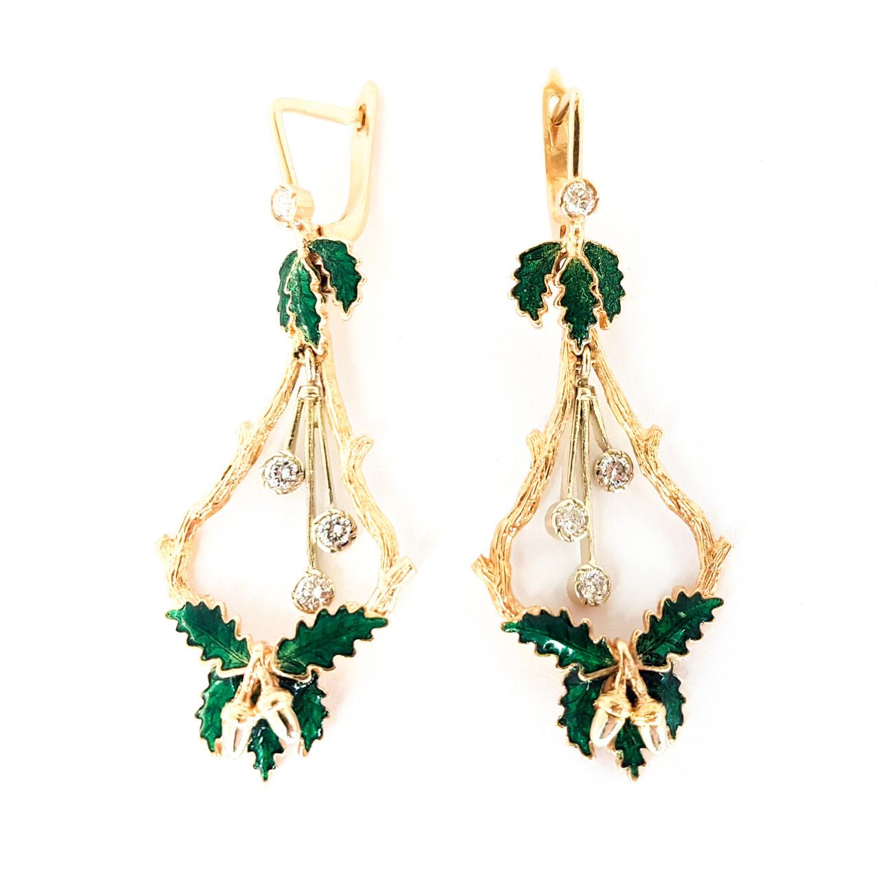 Золотые модные сережки удлиненные с бриллиантами и эмалью листики