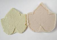 "Молд + вайнер ""Лист смородины"" (   р-р 8 х 7см) для фоамирана и глины"