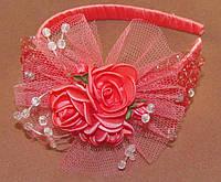 Нарядный обруч для волос с розами коралловый